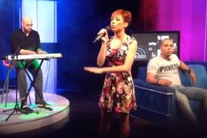 Karina Pasián performing Live at Late Night with Alfonso Quinon